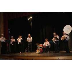 Dixie Band en Escenario
